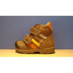 Szamos supinált barna fiú cipő
