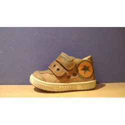 Szamos barna narancs fiú cipő